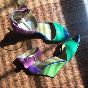NineWest Colorful pumps
